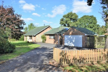 Rowledge bungalow for sale Trueman and Grundy