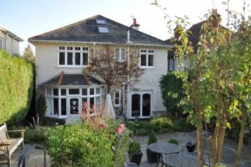 High Park Road Farnham town centre houses sold by Trueman & Grundy