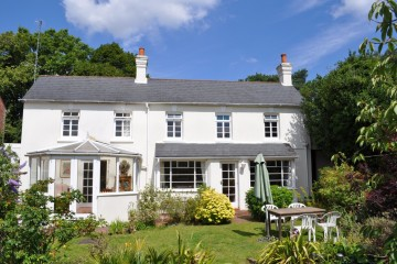 Lodge Hill Road South Farnham Character cottage in The Bourne Farnham sold by Trueman & Grundy