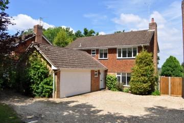Greystead Park South Farnham property sold by trueman and grundy