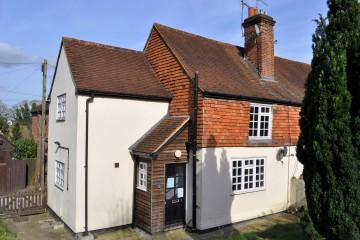 2 Luff Cottages Church Lane Wrecclesham Farnham Sold by Trueman and Grundy Estate Agents in Farnham