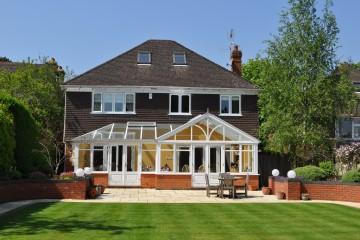 4 bedroom detached family house south Farnham sold by Trueman & Grundy