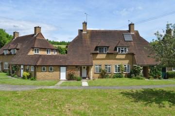 3 bedroom house in Seale Farnham sold by Trueman & Grundy