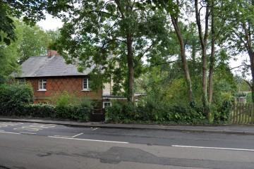 South Farnham Shortheath Road South Farnham School estate agents in farnham sold