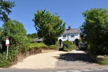 3 Heather View Cottages Frensham Village Farnham properties sold Trueman & Grundy