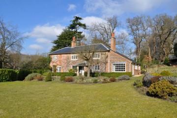 Frensham village character cottage Farnham sold by Trueman & Grundy