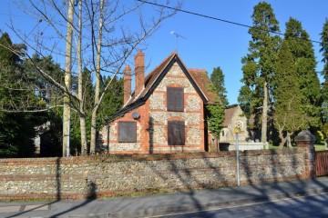 Alma Lane Upper Hale Farnham