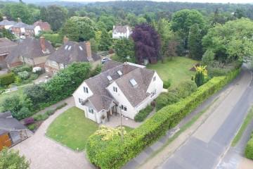 Little Green Lane Detached family house in south Farnham sold by Trueman & Grundy