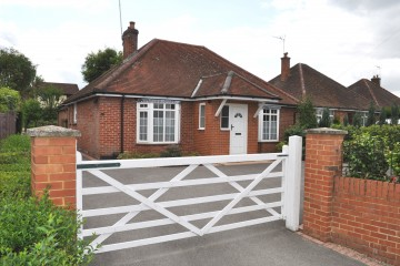 Detached bungalow walk of Farnham town and station
