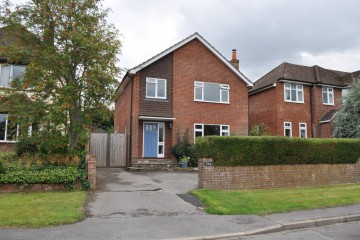 Grove End Road Walking distance of Farnham town sold by Trueman & Grundy