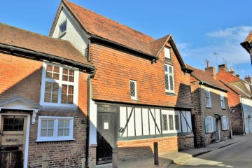 Character property town centre house renovation proejct sold trueman and grundy