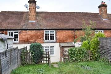 Sold in South Farnham by Trueman & Grundy