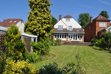 Farnham town centre detached house with parking sold by Trueman & Grundy