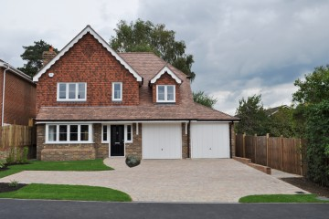 Brand new detached family house in Petersfield sold by Trueman & Grundy