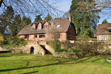 Hindhead Surrey Hills family house sold by Trueman & Grundy