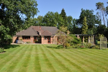 detached bungalow rushmoor tilford farnham