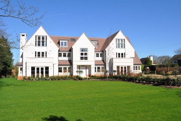 new development of 10 flats in south Farnham sold by Trueman & Grundy estate agents in Farnham
